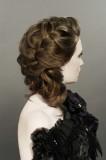 пышная прическа с ажурной косой на длинные волосы