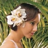 свадебная прическа живыми цветами для коротких волос