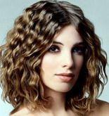 волосы, завитые на косички